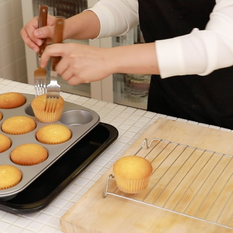 03 cupcake square 01