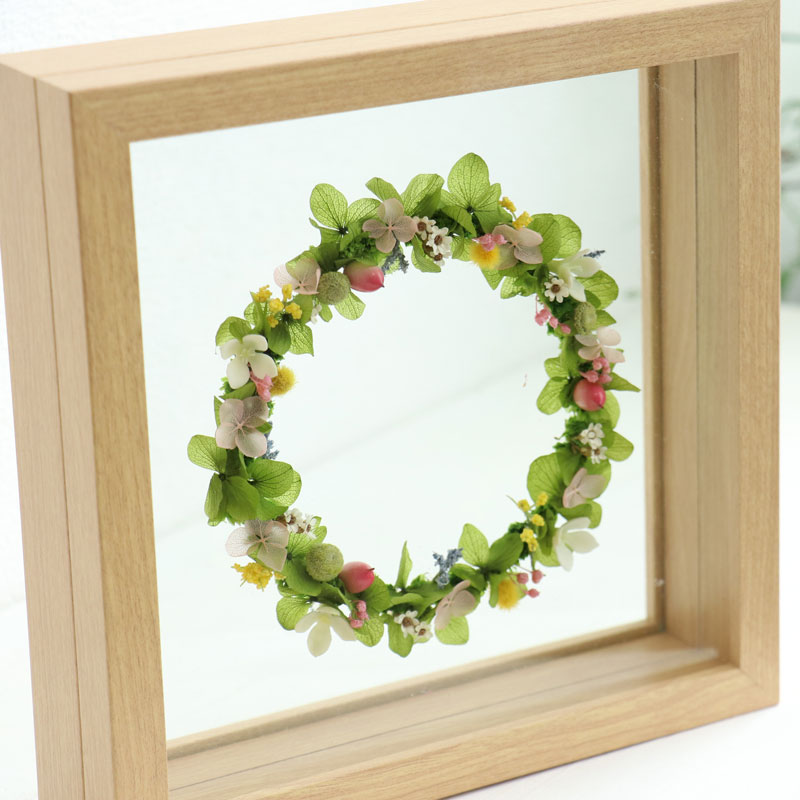 Glass-Framed Small Wreath