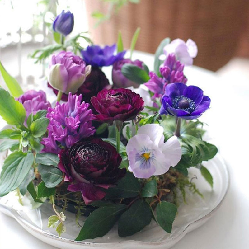 Violet wreath arrange