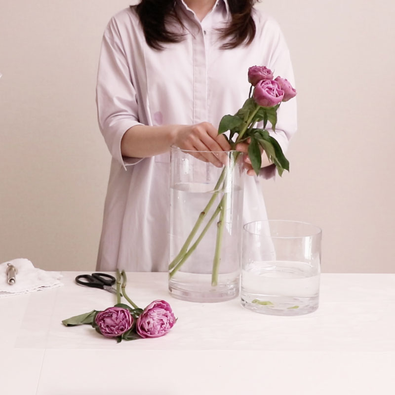 Cut-Flower Care at Home: Soak and Hydrate Flowers