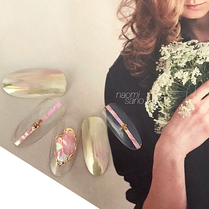 Nuance Mirror & Shell Bijou
