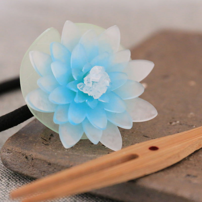Water Lily Hair Tie