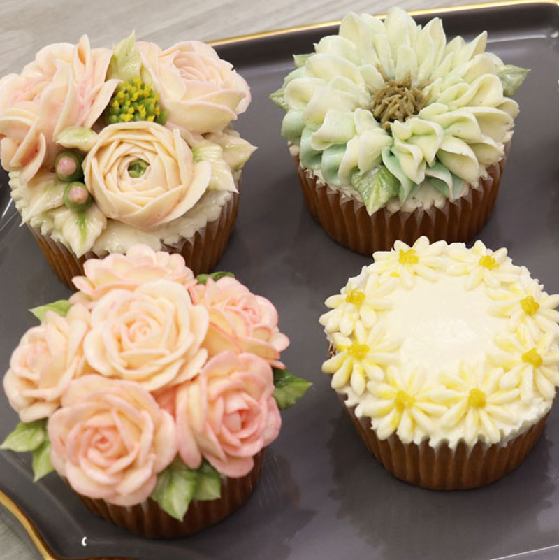 Butter Cream Flowers: Cupcake Decoration