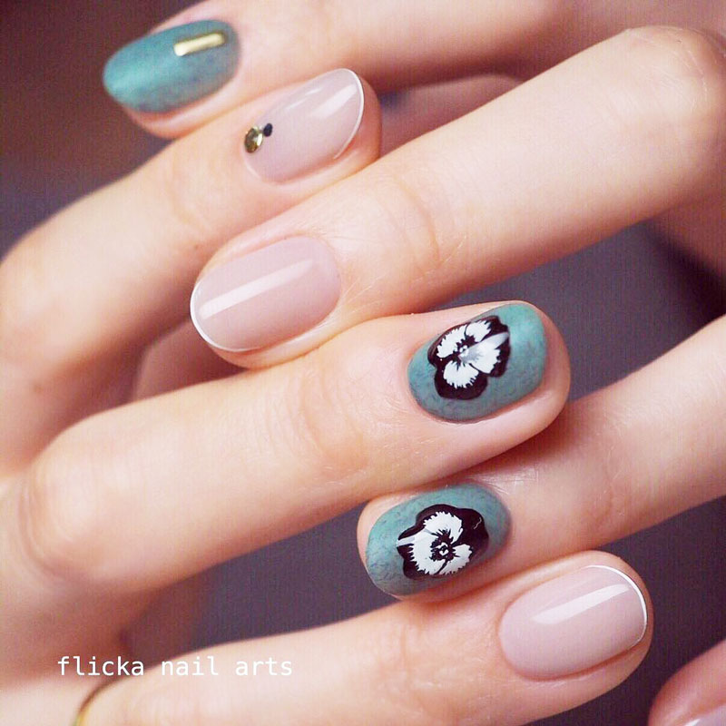 Plump Pansy Nails