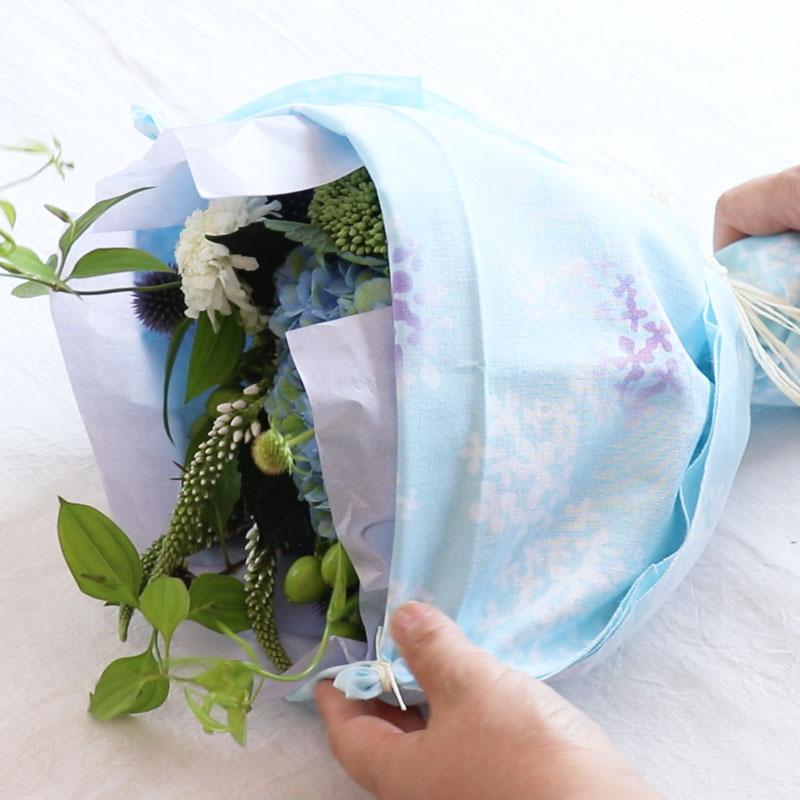 ウルーウールの季節の花贈り 季節のお花と手ぬぐいをプレゼント