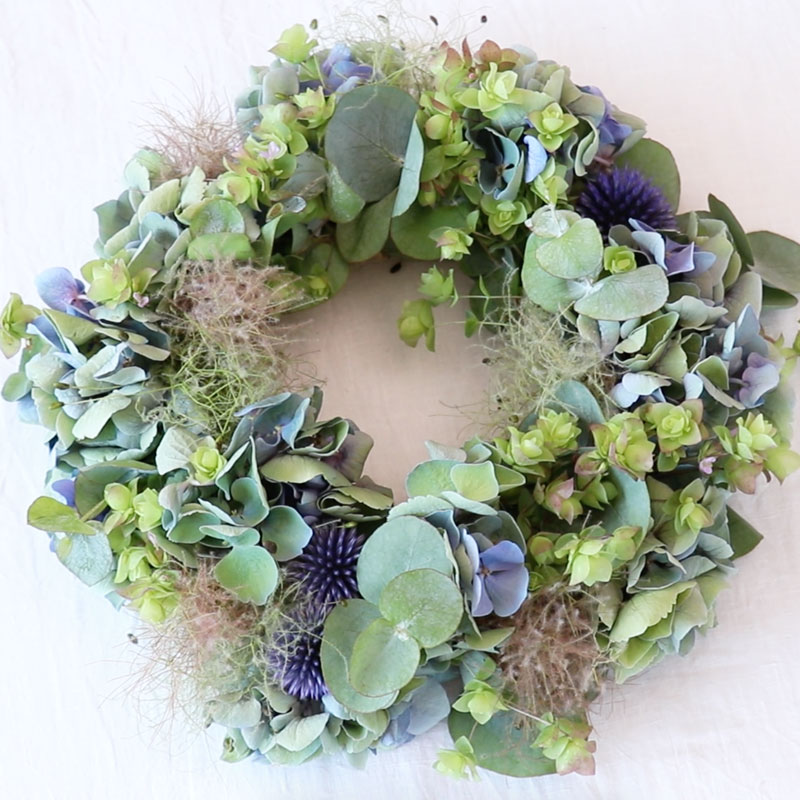 Wreath That Turns into Dried Flowers