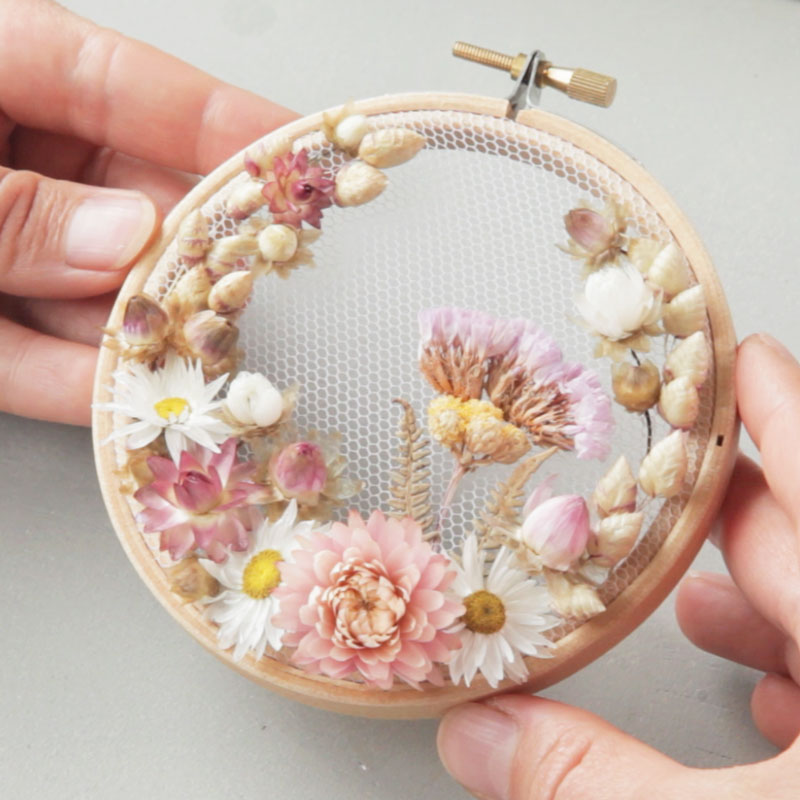 Real dry flowers embroidery on a 4 inch hoop