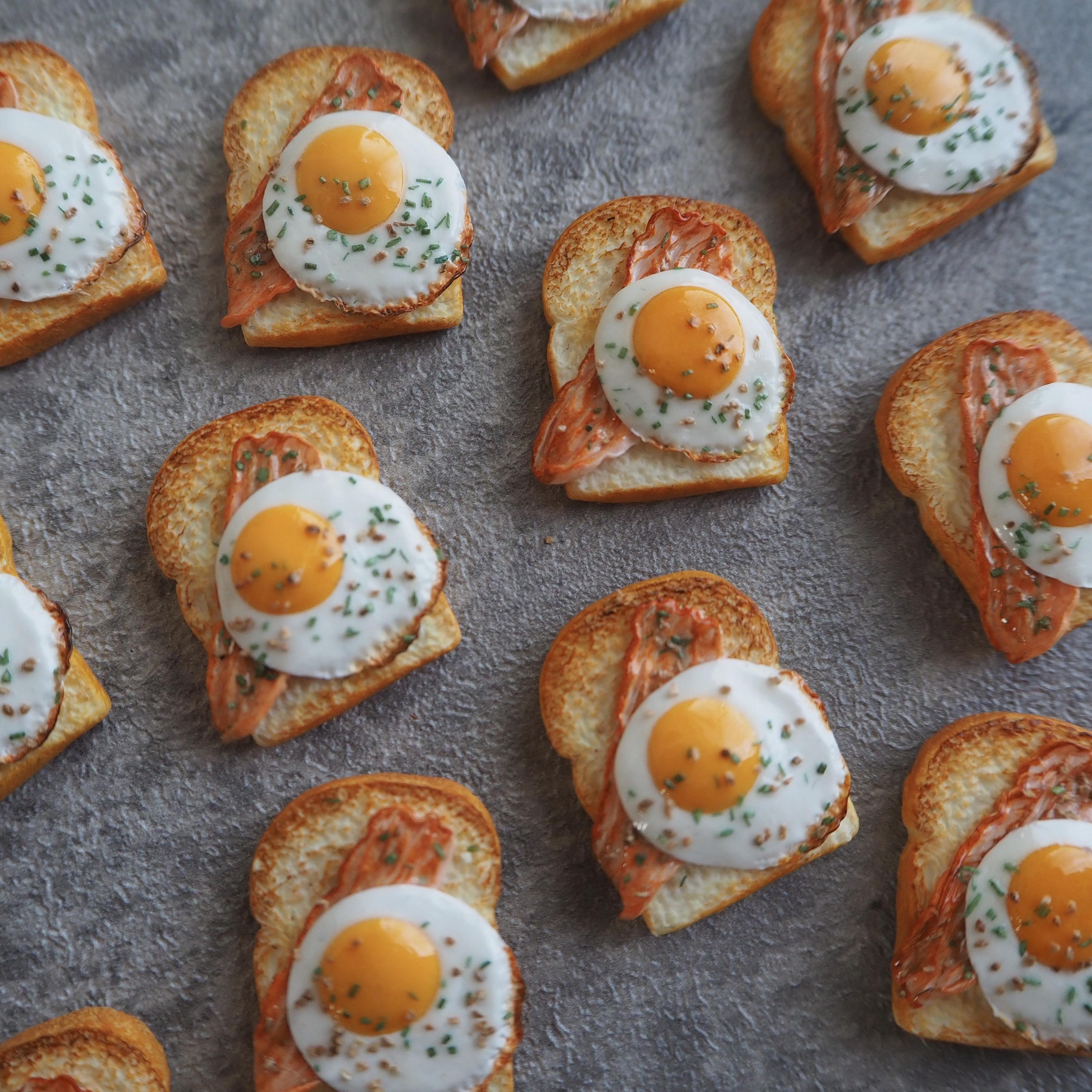 ベーコンエッグトーストの作り方