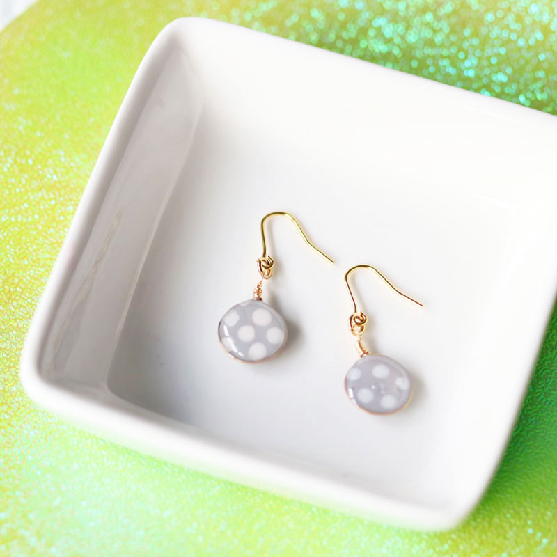 【Beginners】Polka-dot Earrings of Nail Polish Flowers