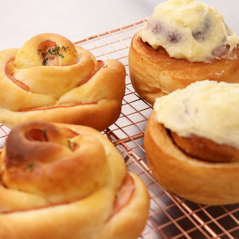 Flower Bread & Cinnamonroll using no-knead bread dough
