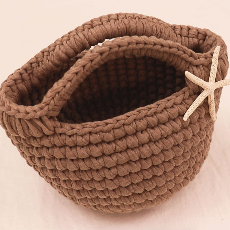 "A small tote bag ""mini marche"" ~ techniques for neat crocheting ~"