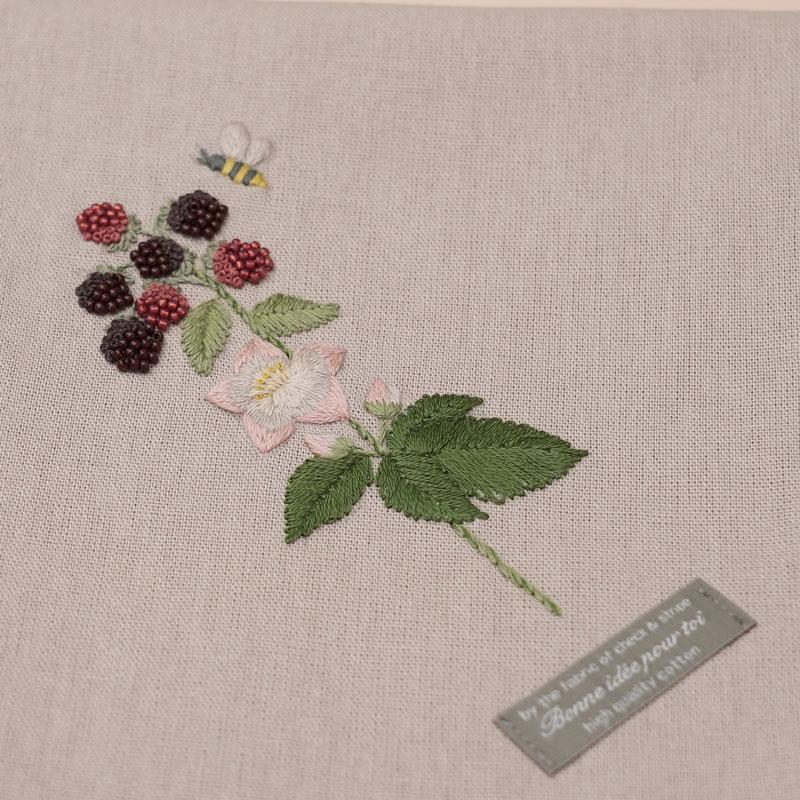 3つのステッチでつくる「野の花刺繍 ~⑤~ 」