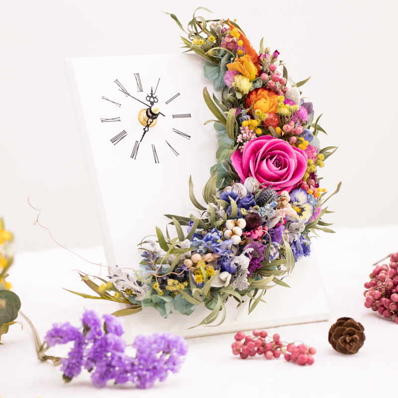 Floral Clock with Dry Flowers