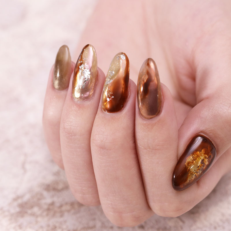 Shiny Amber Gradient Nails