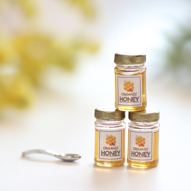 How to Make Miniature Honey Jars