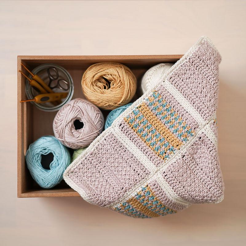 平編みで編むコースター