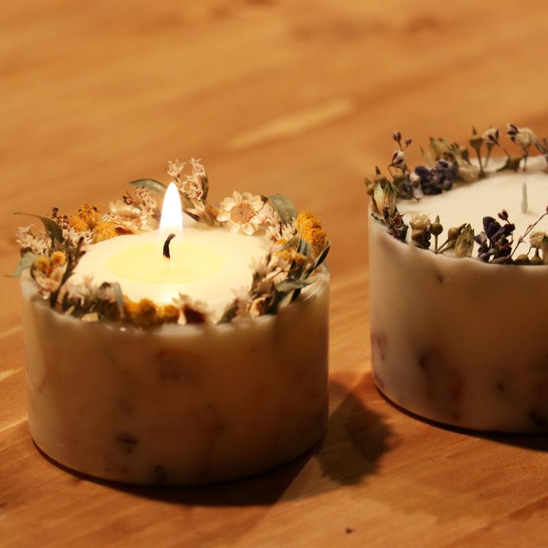 含100滴精油的大豆蜡烛