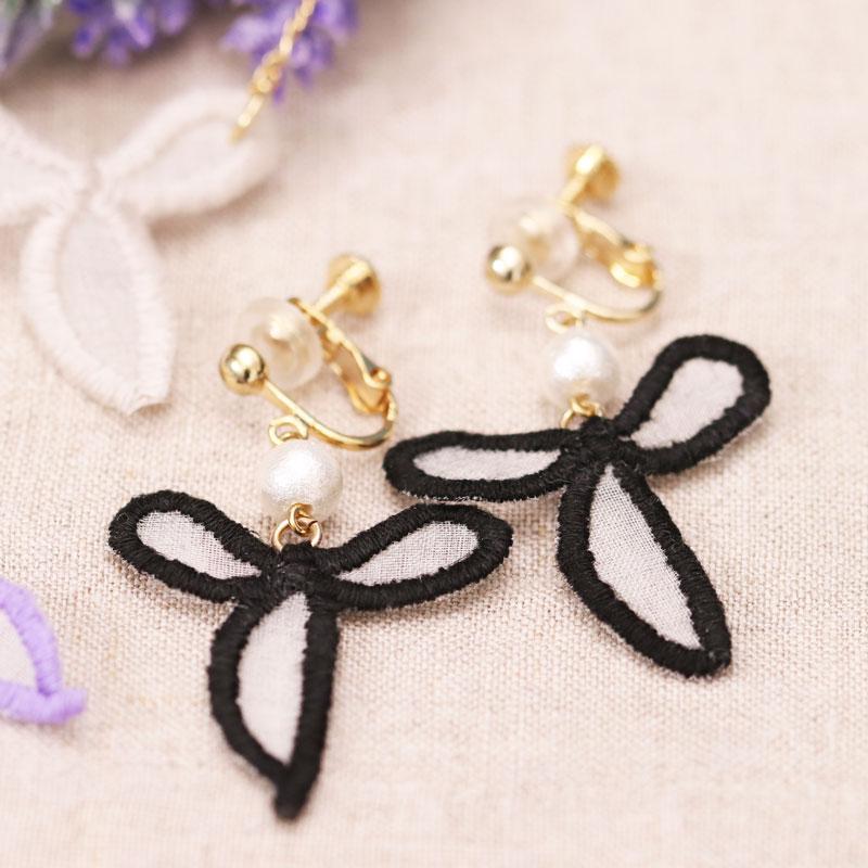 蝴蝶結造型刺繡耳環