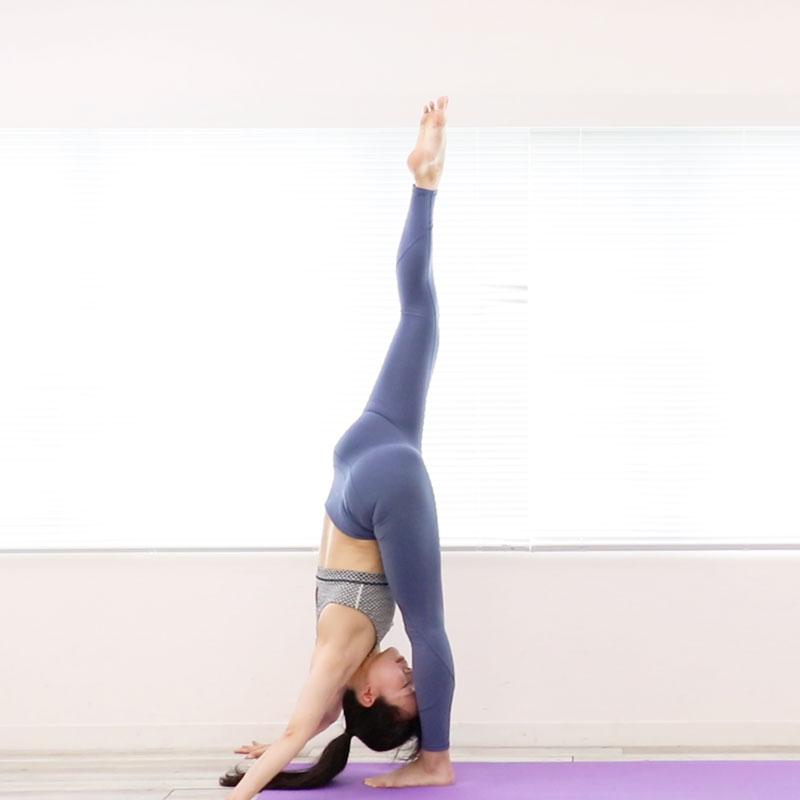 锻炼下半身的肌肉,提高柔韧度!