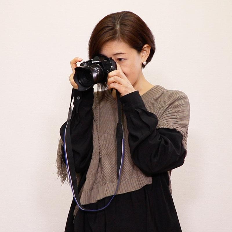 OLYMPUS入門③ カメラの構え方、撮影前の準備について